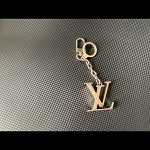 💯Authentic Louis Vuitton key charm in silver